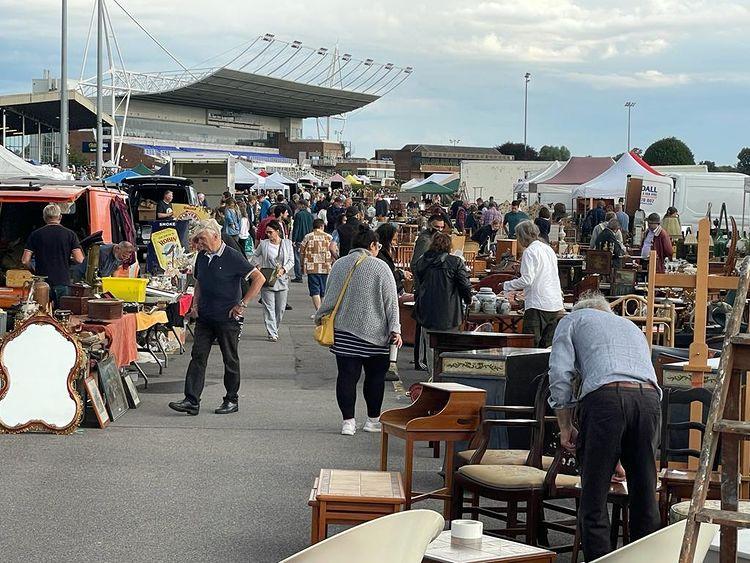 Sunbury Antiques Market - Best Surrey Marketplaces