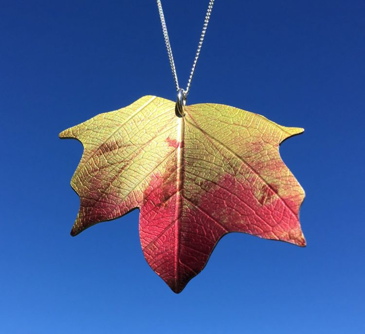 Ditton Maple leaf necklace